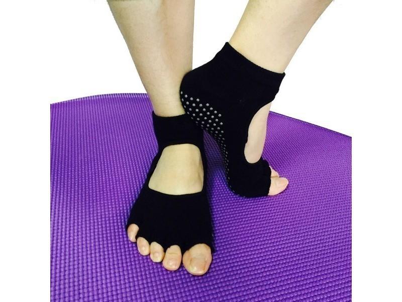 Une paire de chaussettes yoga