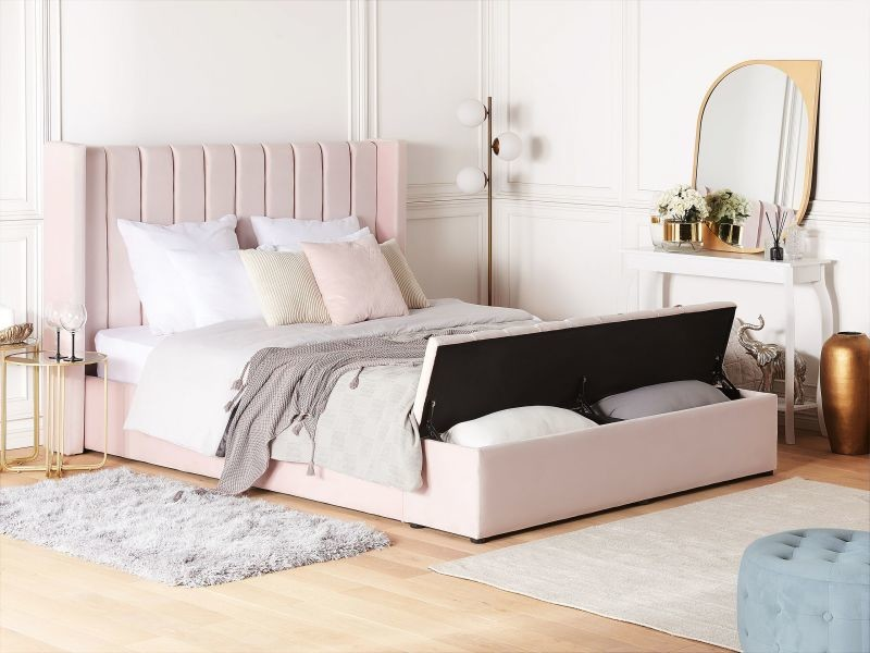 Lit double en velours rose pastel avec banc coffre 180 x 200 cm noyers 188975
