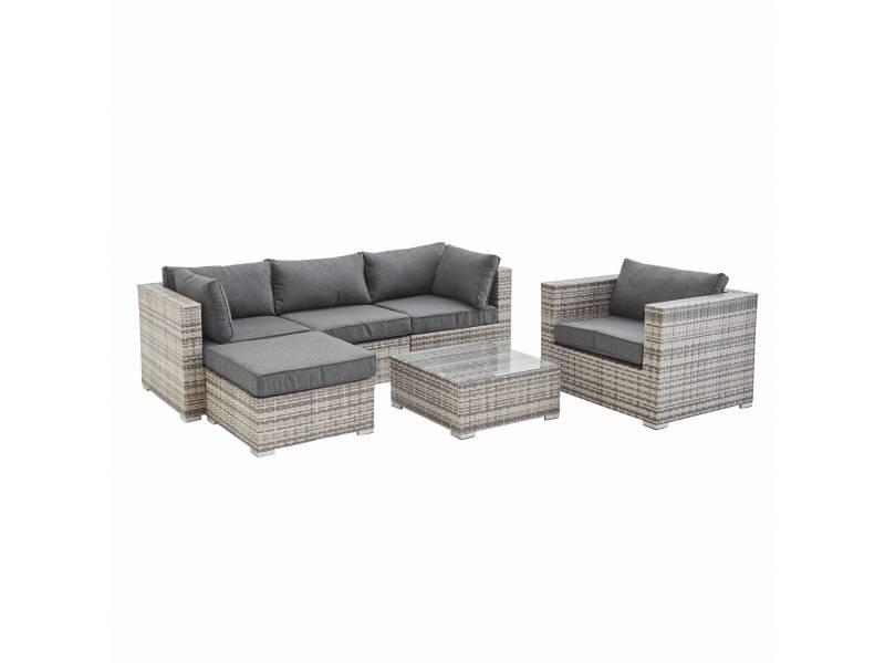 Salon de jardin en résine tressée - caligari - nuances de gris. Coussins gris - 5 places - 1 fauteuil. 1 fauteuil sans accoudoir. 1 pouf. 2 fauteuils d'angle. Une table basse