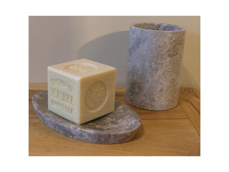 Ensemble gobelet porte savon en marbre gris 33024 vente for Porte gobelet salle de bain
