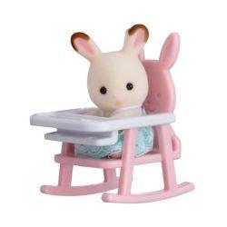 Sylvanian bebe lapin sur chaise