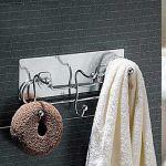 Patère murale chromée pour vêtements style contemporain