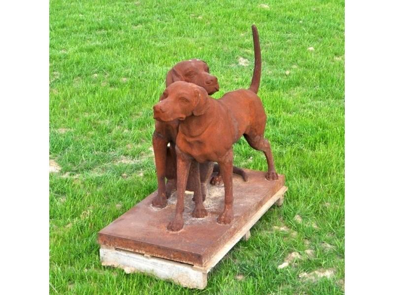 Couple de chiens sur socle - fonte