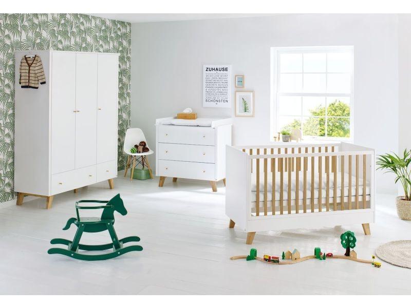chambre bébé avec lit évolutif