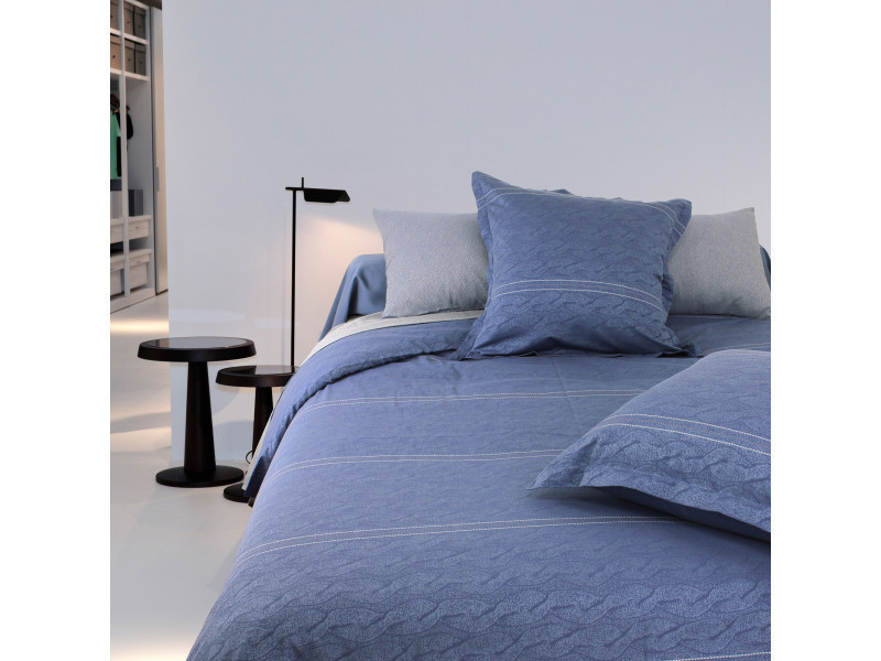 housse de couette 280x240 cm satin de coton vendome bleu fonc vente de linnea conforama. Black Bedroom Furniture Sets. Home Design Ideas