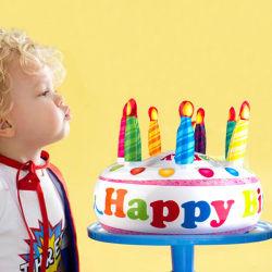 Gâteau d'anniversaire gonflable