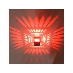 Applique murale cubique avec diffuseur de lumière en aluminium  rouge