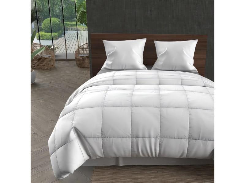Couette blanche 200x200 cm confort toutes saisons, par intemporel