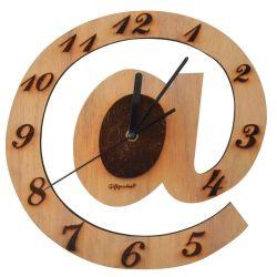 privil giez une horloge pratique et adapt e votre d coration. Black Bedroom Furniture Sets. Home Design Ideas