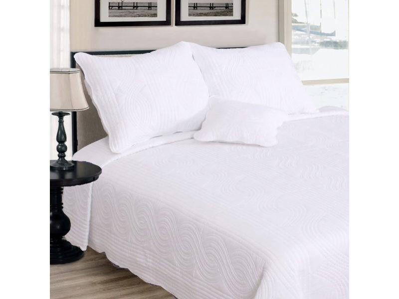 couvre lit conforama Couvre lit boutis uni blanc matelassé + 2 taies d'oreillers  couvre lit conforama