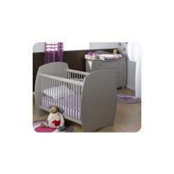 Mini chambre bébé rêve avec plan à langer